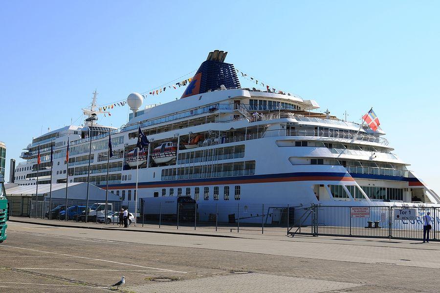 Schönste yacht der welt  Reisebüro